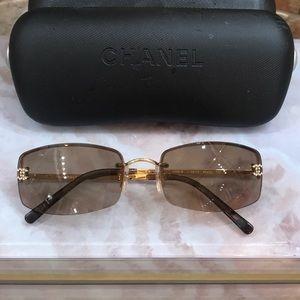 Chanel sunglasses w/case Swarovski crystal